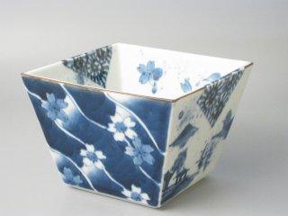 有田焼 染付春秋山水(カット)つるべ型角鉢
