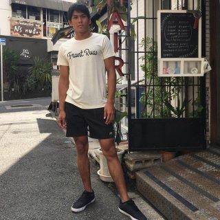 【値下げ】ロゴTシャツ・全2色