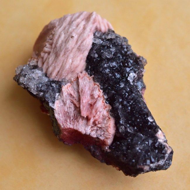 ピンクバライト・イン・クォーツ Pompadour モロッコ産 50.3g/鉱物・結晶原石