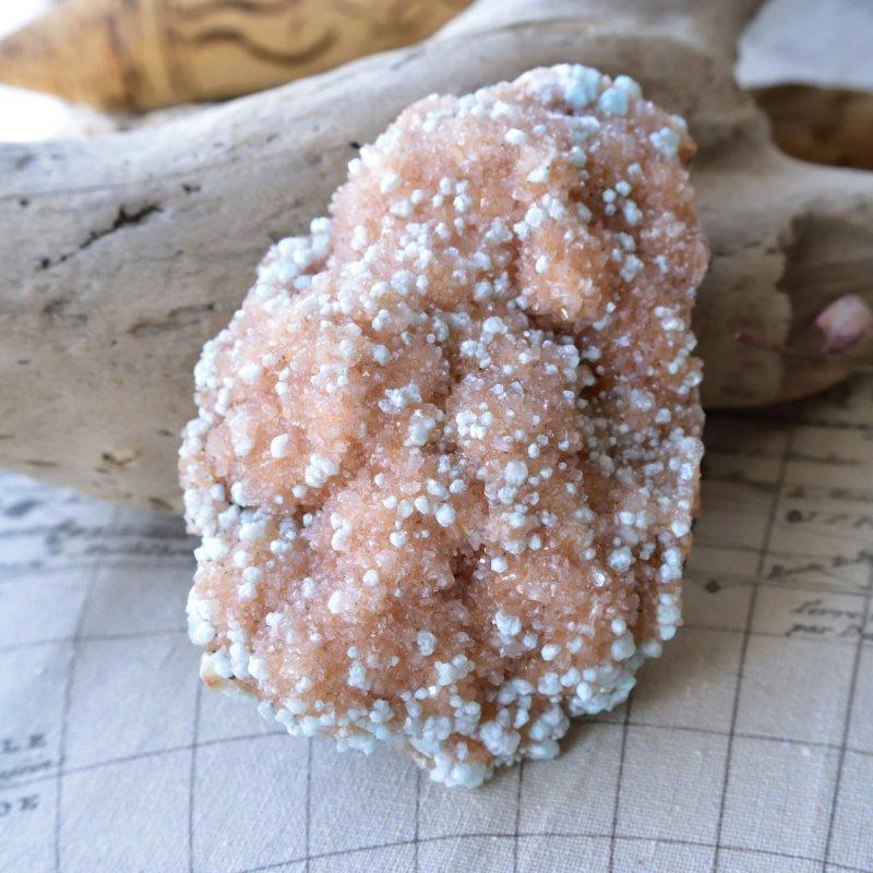 ピンク・スティルバイト with アポフィライト Goddess stone インド産 300g/ 鉱物・原石