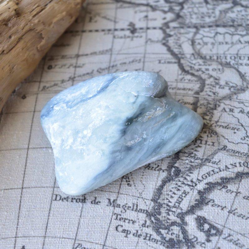 インフィナイト 翡翠よりも翡翠らしく 南アフリカ産 160g/原石・ヒーリング