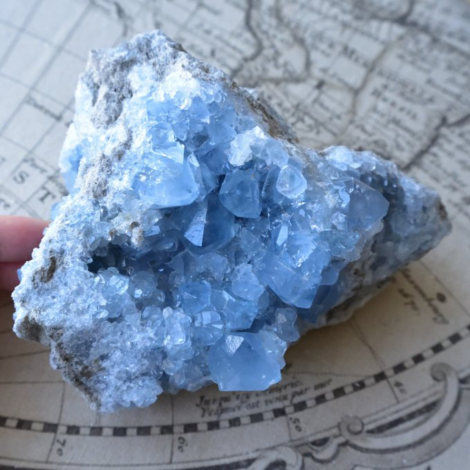 セレスタイト・クラスター ヒーリングインテリア マダガスカル産 1.6kg/ 原石・鉱物