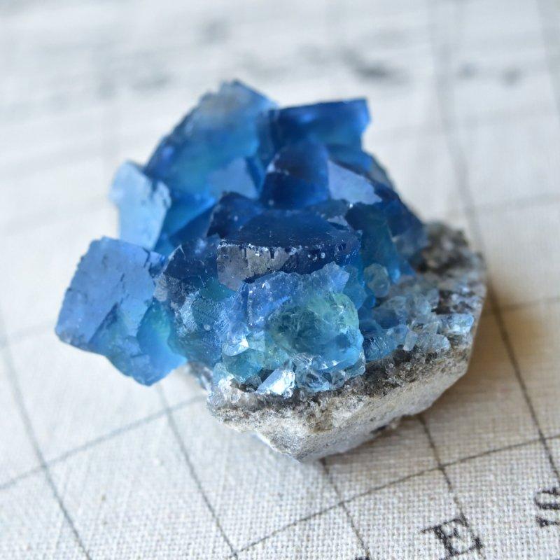 フローライト(蛍石) Sweet Blue 中国・福建省産 120g/ 鉱物・結晶原石