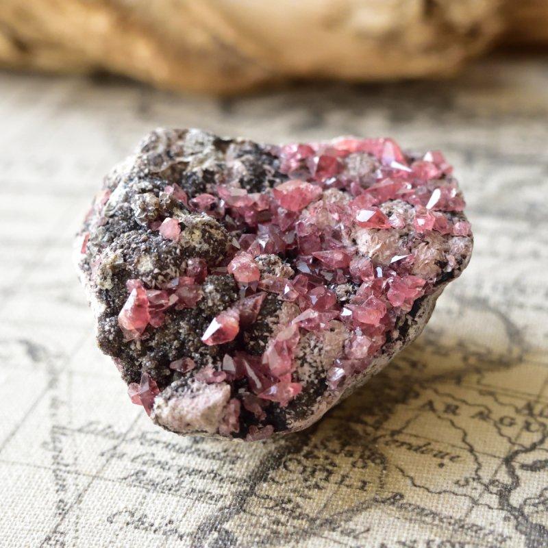 ロードクロサイト(インカローズ)結晶  母岩付き ペルー産 202g/ 鉱物・結晶原石