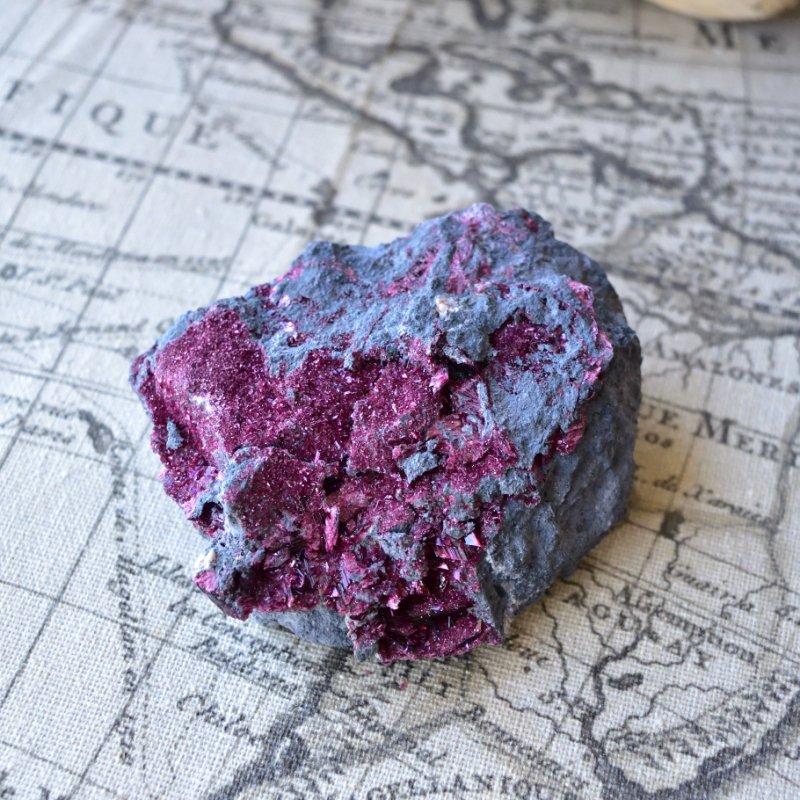 エリスライト イエスの血 モロッコ産 230g/ 鉱物・結晶原石