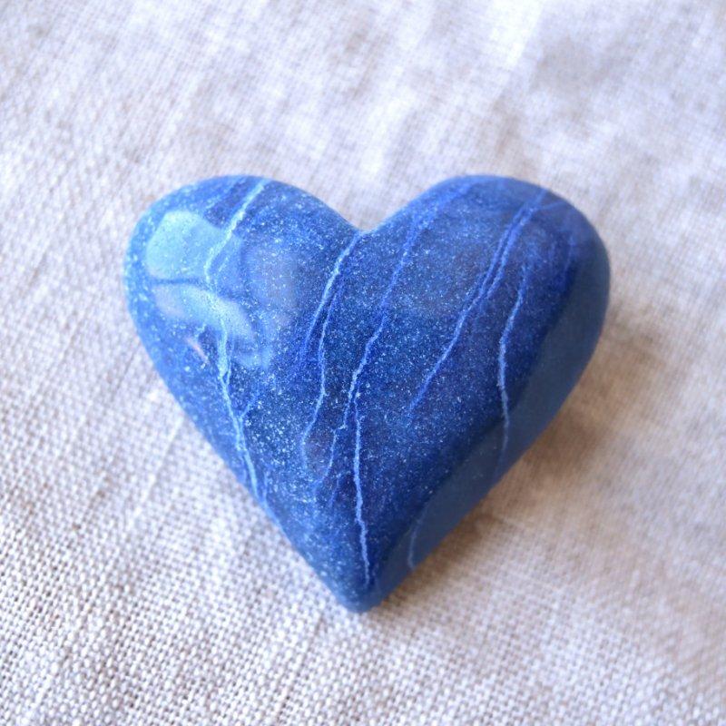 ブルークォーツ デュモルチェライトインクォーツ Blue Heart ブラジル・バイーア州産 49g/ハート・ヒーリング