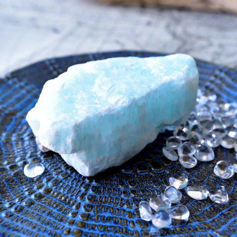 カリビアン・ブルーカルサイト ブルーアラゴナイト Lemurian Blue パキスタン産 306g/鉱物・原石