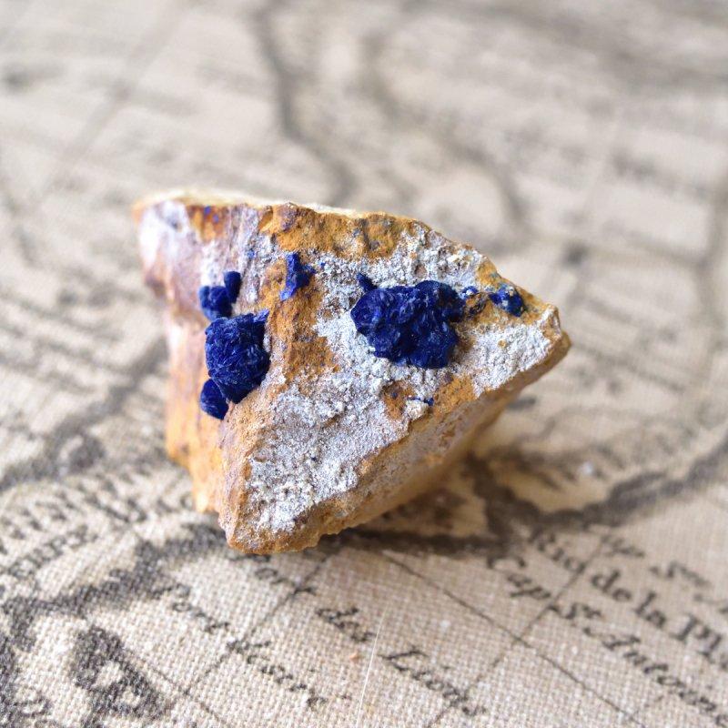 ブルーベリー・アズライト(藍銅鉱) 母岩付き アメリカ・モレンシー産 56g/鉱物・結晶原石