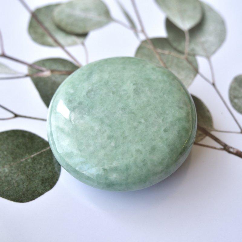 ミャンマー翡翠 戦士の石 ミャンマー産 112g/ ポリッシュ・パルムストーン