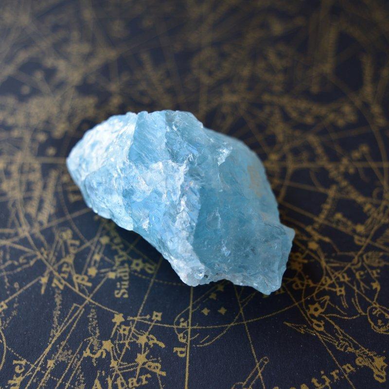 アクアマリン 鎮魂歌 ブラジル・ミナスジェライス州産 57g/ 鉱物・結晶原石