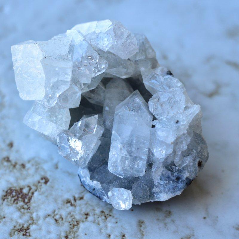 アポフィライト・ジオード ブルーカルセドニー インド産 92g/ 鉱物・結晶原石