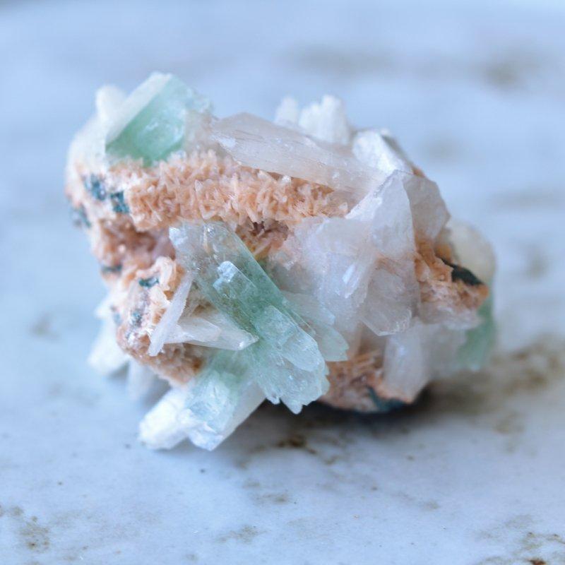 グリーンアポフィライト スティルバイト ヒューダンライト インド産 35g/ 鉱物・結晶原石