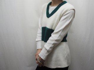 70s White Green V Neck Knit Vest