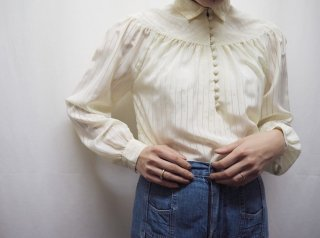 70s- Ivory Front Buttons Semi Sheer Cropped Blouse