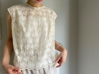 60s Cream Floral Cut Work Lace Top