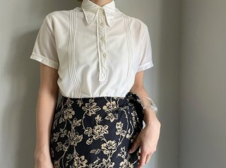 60s- Ivory Pointed Collar Nylon Blouse