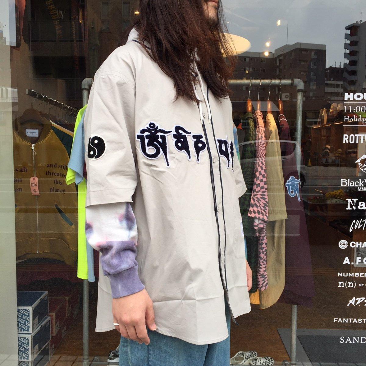 <img class='new_mark_img1' src='https://img.shop-pro.jp/img/new/icons3.gif' style='border:none;display:inline;margin:0px;padding:0px;width:auto;' />Black weirdos  ブラック ウィドー / シャツ Mantra Baseball Shirt 【GRAY】