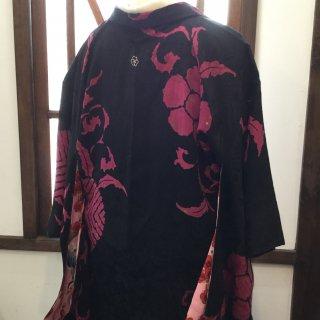 円窓K398*羽裏も可愛い♪大柄ビビッドピンク・一つ紋/アンティーク羽織