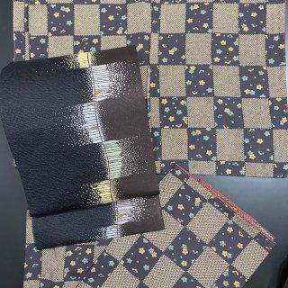 やゝK−021・京友禅市松に小梅模様シックなカラーの小紋着物