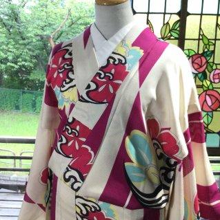 やゝK‐109*平絽すっきり涼やか矢羽根に波撫子紋/アンティーク小紋着物