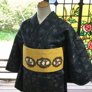 やゝK‐147*藍型染古典柄・重ね菱に小花唐草紬/着物リユース