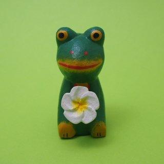 花持つカエル