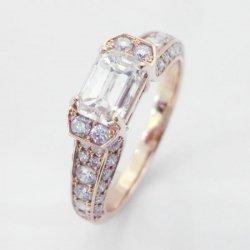 K18PG エメラルドカットダイヤモンドリング D 1.015ct D 0.65ct L-SI1 中央宝石研究所鑑定書付