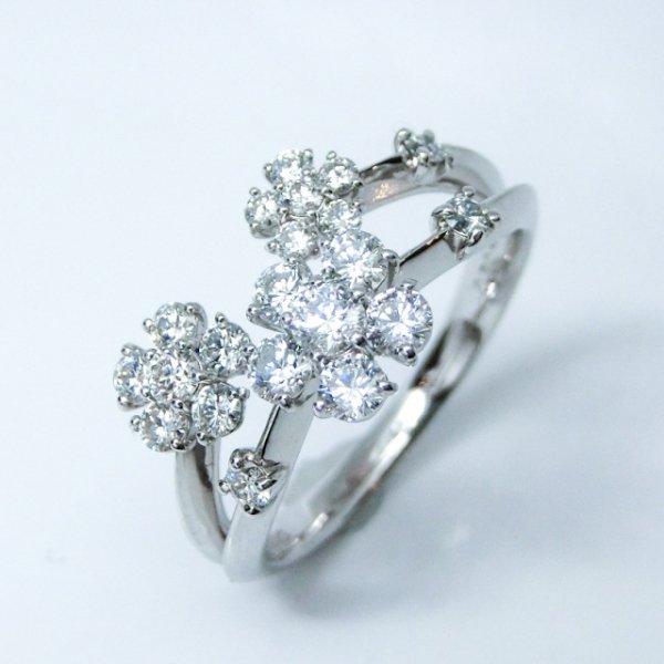フラワーモチーフ H&Cダイヤモンドリング D 0.70ct K18WG