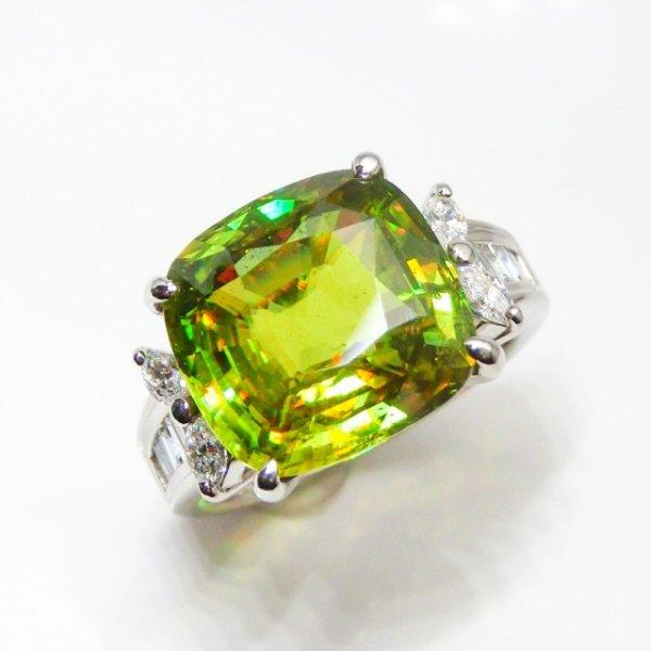 マダガスカル産グリーンスフェーン ダイヤモンドリング SH 8.51ct D 0.60ct Pt900