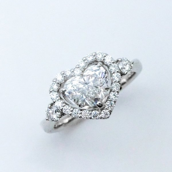 ハートシェイプダイヤモンドリング D 1.01ct D 0.32ct D-VS1 GIA 中央宝石研究所鑑定書付