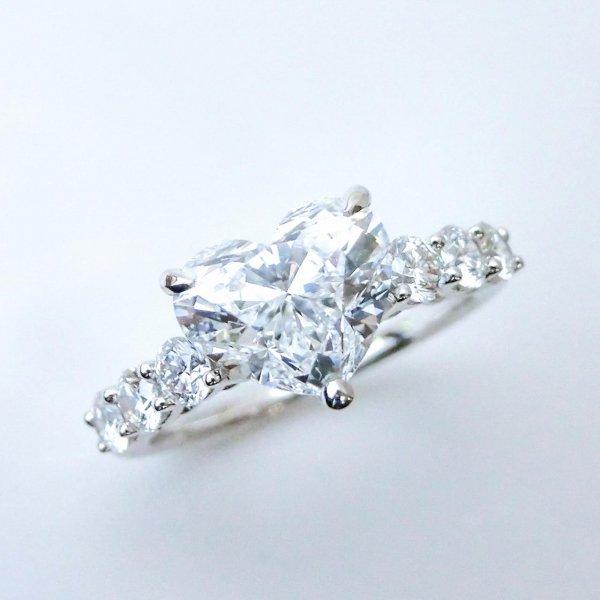 特選2カラットアップハートシェイプダイヤモンドリング D 2.04ct D 0.58ct D-VS1-EX K18WG