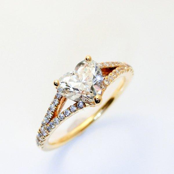 ハートシェイプダイヤモンドリング D 1.012ct D 0.23ct K18YG 中央宝石研究所鑑定書付
