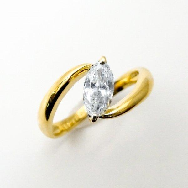 マーキスダイヤモンドリング D 0.388ct F-SI2 K18YG 中央宝石研究所ソーティング付