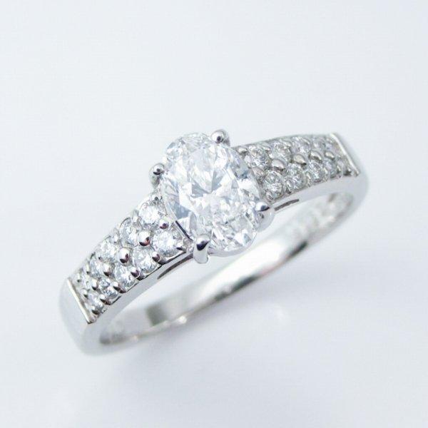 オーバルシェイプダイヤモンドリング D 0.504ct D-SI2 0.19ct Pt950 AGT鑑定書付