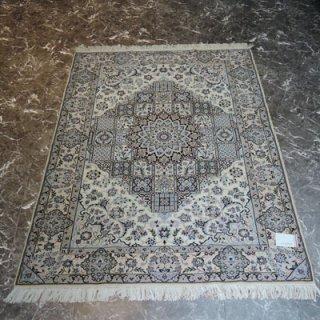ペルシャ絨毯 Mサイズ(172cm×122cm) ナイン産  A145