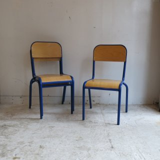 <img class='new_mark_img1' src='https://img.shop-pro.jp/img/new/icons14.gif' style='border:none;display:inline;margin:0px;padding:0px;width:auto;' />school chair - blue