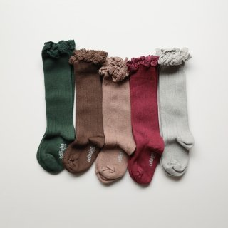 <img class='new_mark_img1' src='https://img.shop-pro.jp/img/new/icons56.gif' style='border:none;display:inline;margin:0px;padding:0px;width:auto;' />frill knee high socks 2021FW