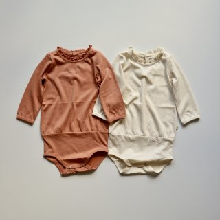 <img class='new_mark_img1' src='https://img.shop-pro.jp/img/new/icons14.gif' style='border:none;display:inline;margin:0px;padding:0px;width:auto;' />ingva frill romper - cotton