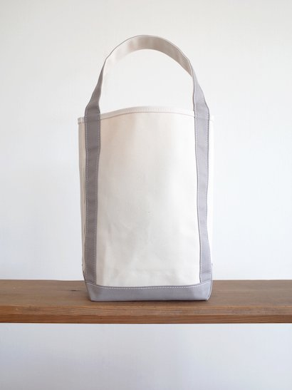 TEMBEA  Baguette Tote - Natural / Mid Gray
