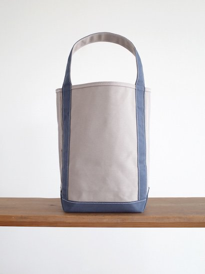 TEMBEA  Baguette Tote - Gray / Smoky Blue