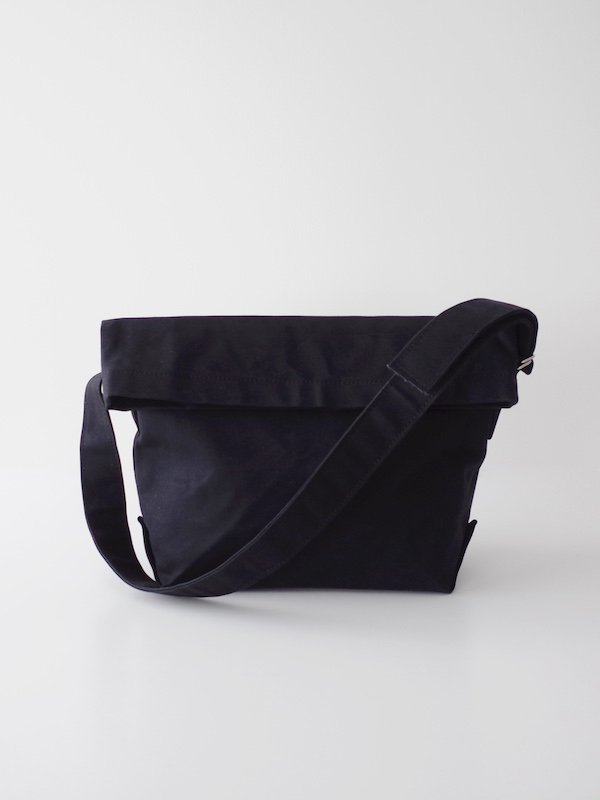 TEMBEA Messenger Bag - Black / Black