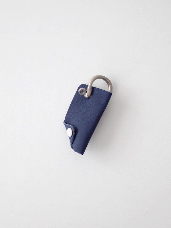 ERA. Bubble Calf Shackle Key Cover - Navy