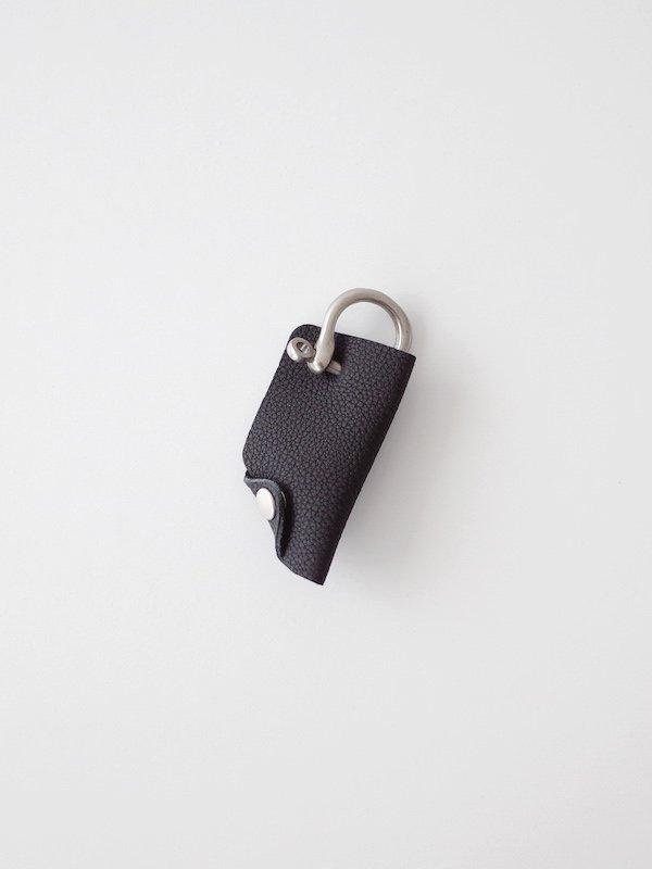 ERA. Bubble Calf Shackle Key Cover - Black