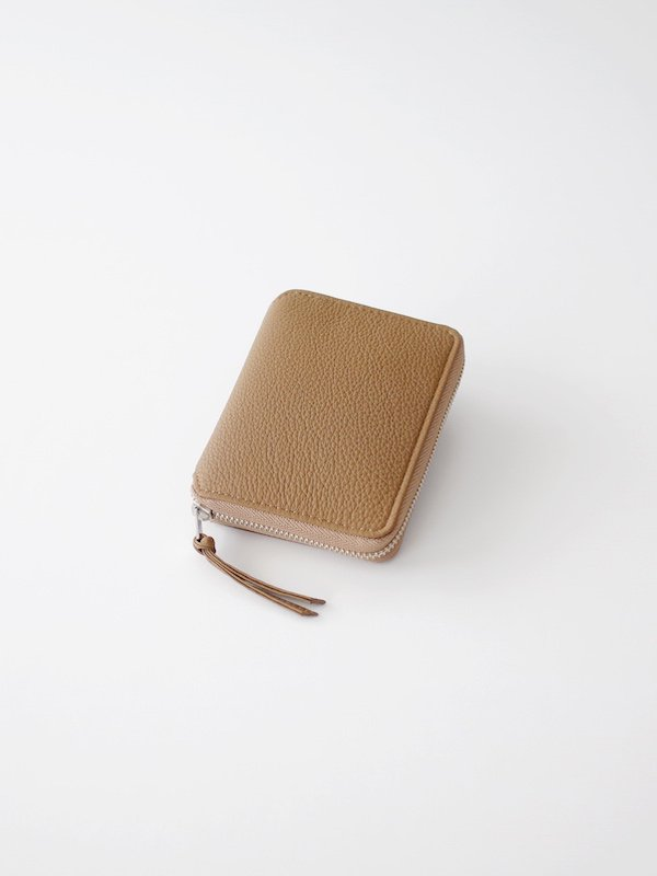ERA. Bubble Calf Round Palm Wallet - Taupe