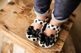 SALE // Classy Polka Dot Bow Shoes
