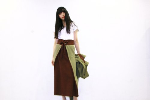 <img class='new_mark_img1' src='https://img.shop-pro.jp/img/new/icons47.gif' style='border:none;display:inline;margin:0px;padding:0px;width:auto;' />TAN / COLOR COMBI APRON(KHAKI×BROWN)