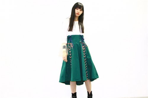 <img class='new_mark_img1' src='https://img.shop-pro.jp/img/new/icons47.gif' style='border:none;display:inline;margin:0px;padding:0px;width:auto;' />NON TOKYO / LACE-UP RAIN SKIRT(GREEN)