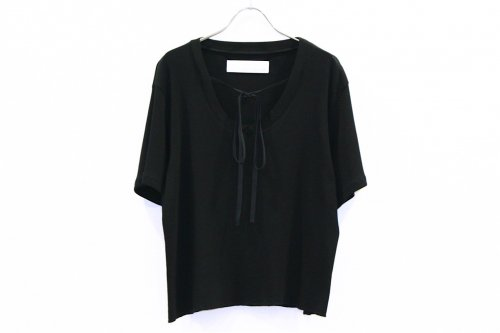 <img class='new_mark_img1' src='https://img.shop-pro.jp/img/new/icons47.gif' style='border:none;display:inline;margin:0px;padding:0px;width:auto;' />Natsumi Zama /Butterfly T-shirt(BLACK)