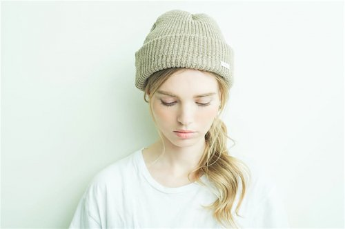 <img class='new_mark_img1' src='https://img.shop-pro.jp/img/new/icons47.gif' style='border:none;display:inline;margin:0px;padding:0px;width:auto;' />cobachi / wool watch cap(SAND BEIGE)