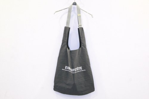 <img class='new_mark_img1' src='https://img.shop-pro.jp/img/new/icons47.gif' style='border:none;display:inline;margin:0px;padding:0px;width:auto;' />ATELIER BÉTON /SHOULDER SHOP BAG(GRAY)